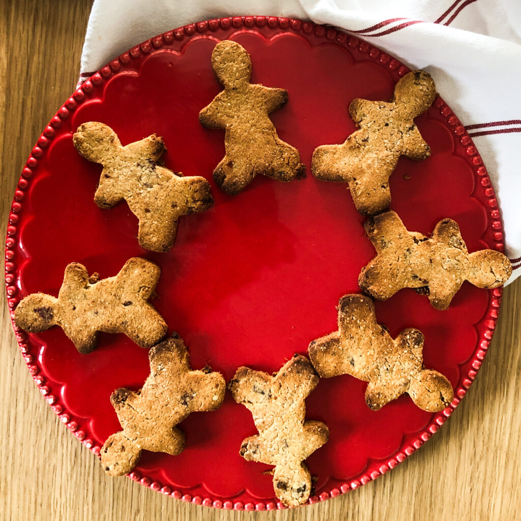 No refined sugar Gingerbread men (sweetened with dates)